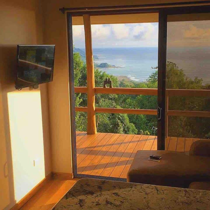 **Mountaintop Villa • Infinity Pool • EPIC view**