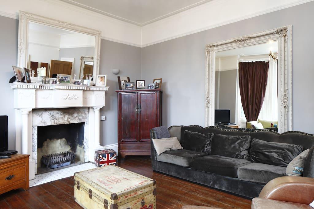 Spacious, light and comfortable living room/lounge