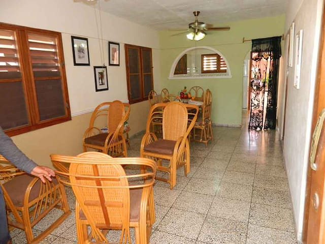 Casa Yodaine y Ernesto, 1 habitación privada.