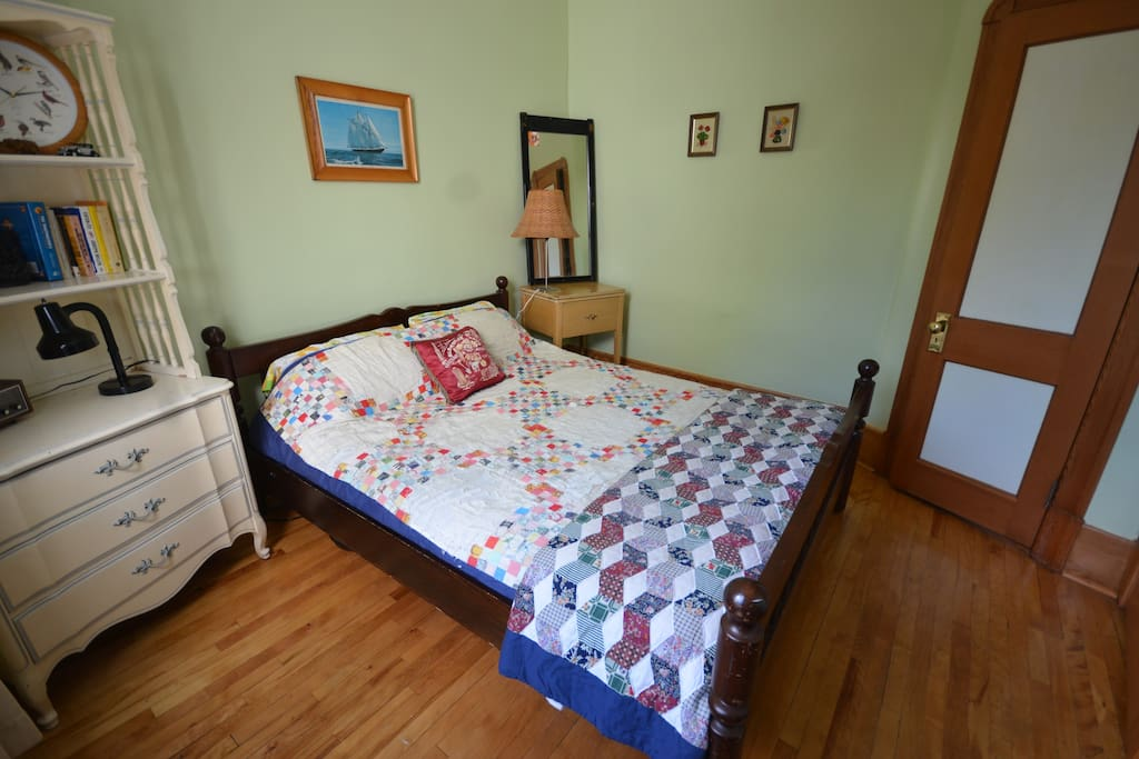 the guest room: sunny master bedroom for 2.