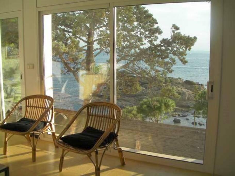 Salón con vistas a la isla