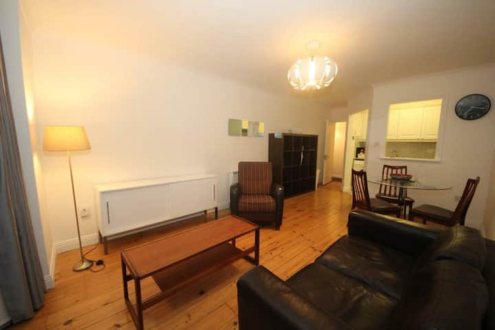 Beautiful Smithfield 2 Bed