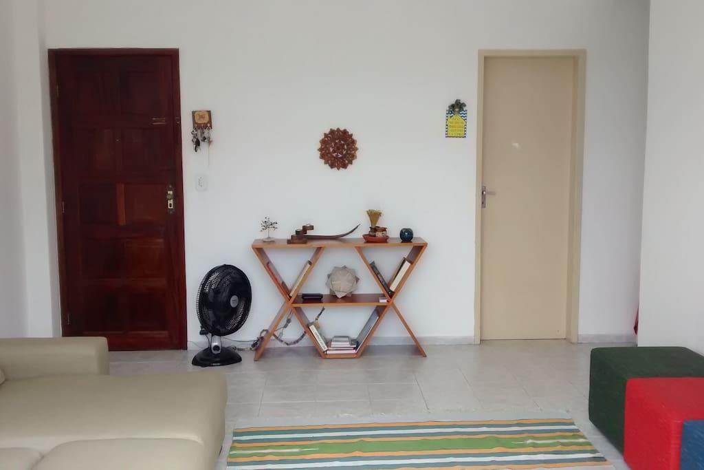 sala ( entrada da casa + entrada da cozinha)