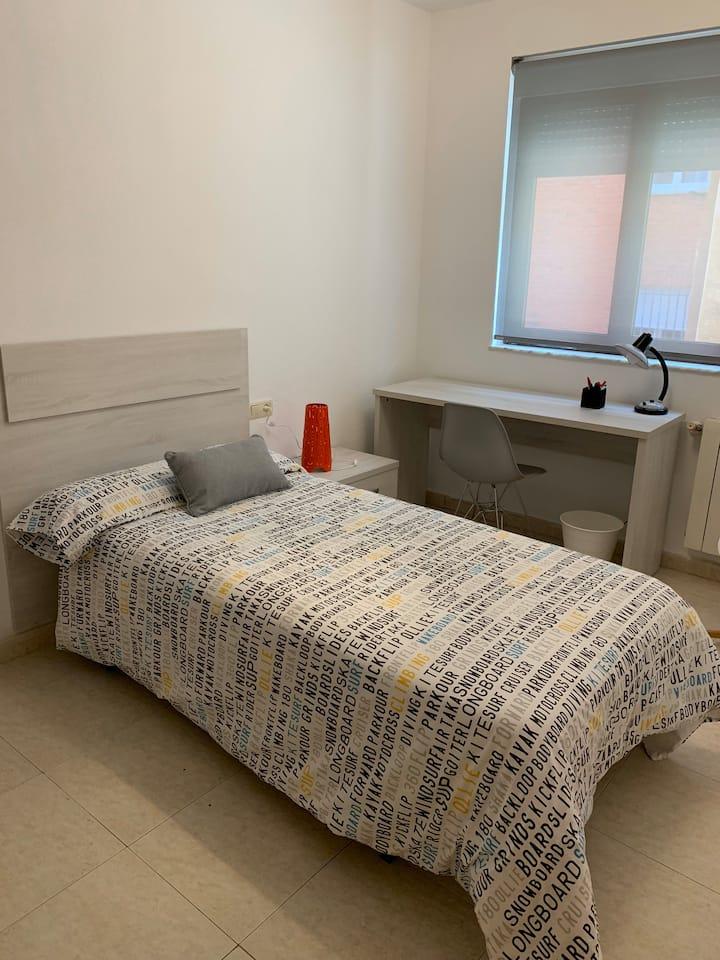 Habitación (24) en piso compartido para estudiante