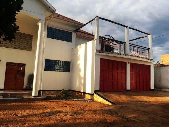 Casa Mazzi at Lake Victoria, Uganda
