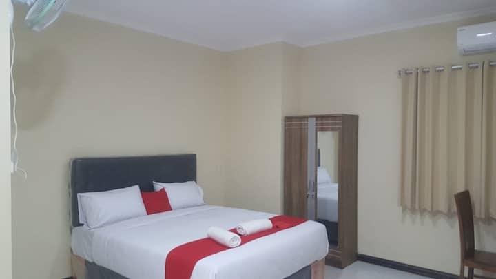 wood 7296 cozy hotel