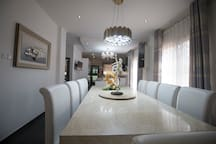 Chic dining room