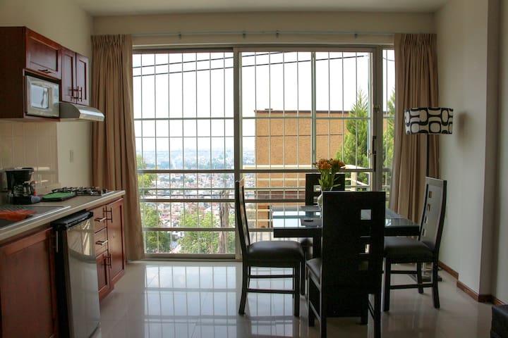 ⭐Increíble vista a la ciudad ✔ céntrico ✔ balcón