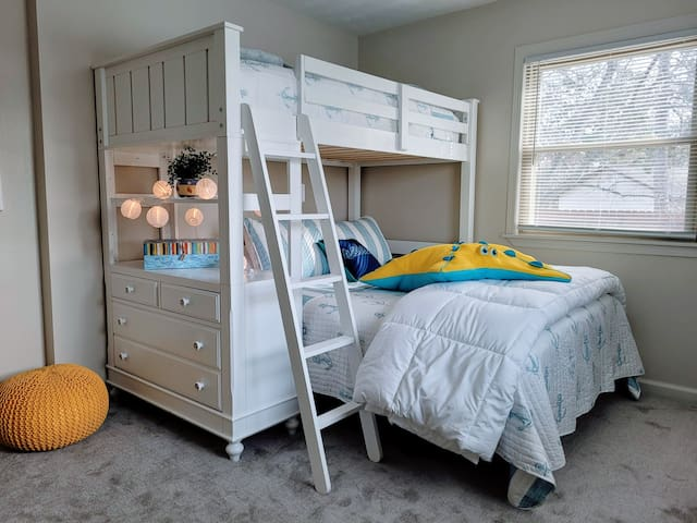 Plenty of space, USB, closet and dresser, such a fun room. And plenty of space for a blowup to get all the kids together.