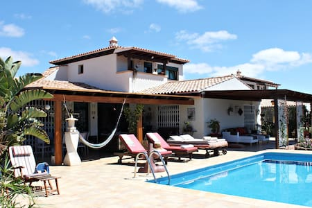 Villa J&J Grand Relax with heatable pool - La Oliva