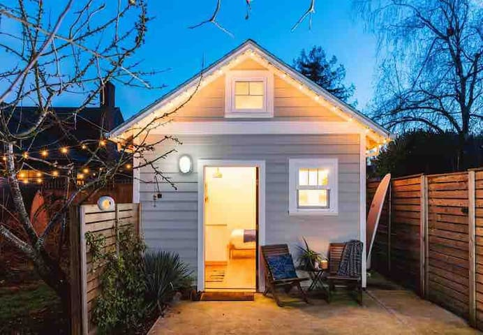 Portland Tiny House (Alberta Arts)