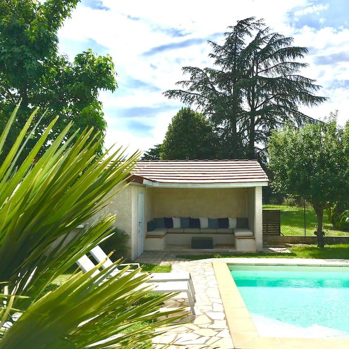 Superbe maison à 15 min. de Lyon (Proche OL Stade)
