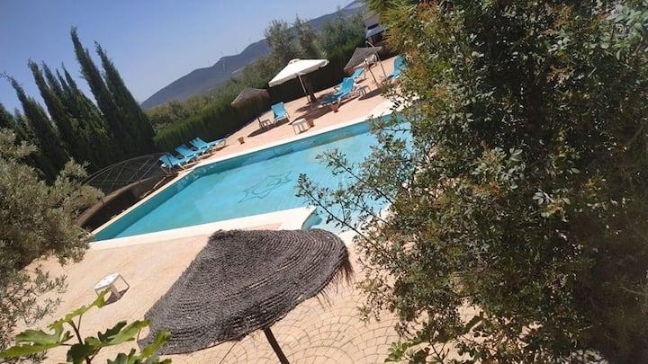 Casa 4 plazas piscina compartida aire acondicionad