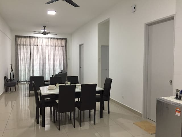 C Eighteen O' Two Suite - Bukit Mertajam - Appartamento