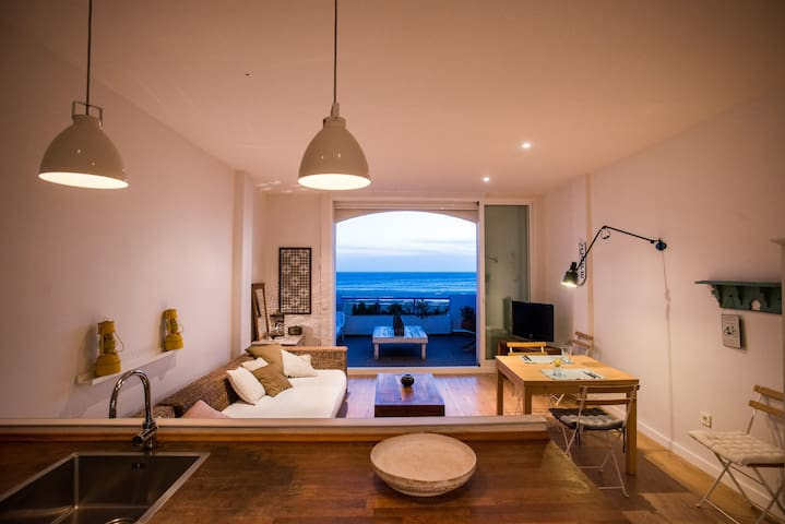 Cosy penthouse on sea front with amazing view