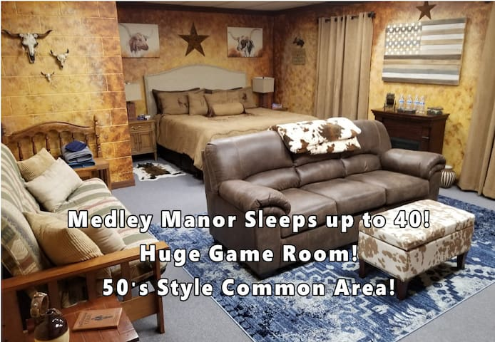 Medley Manor Weekday Special 9 themed rooms 6 bath