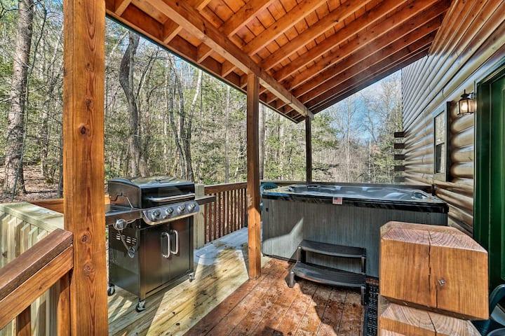 Pet-Friendly Epworth Escape w/Deck, Hot Tub, Views