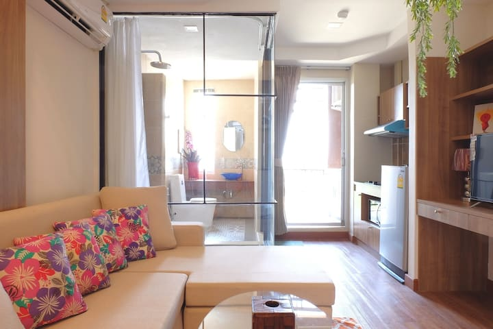 Cosy Penthouse in Nimmanhaemin - 5 mins from MAYA