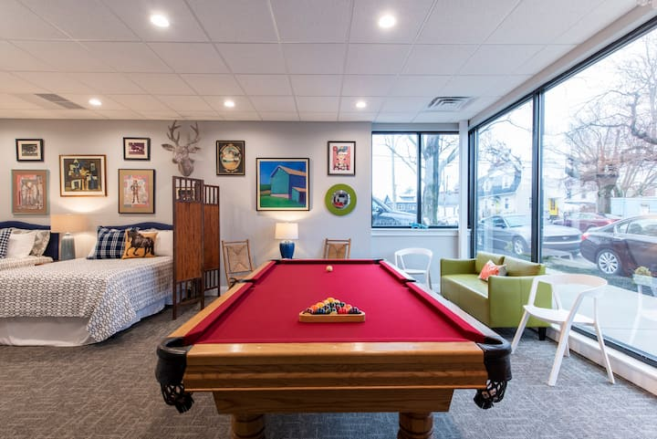 The URBAN BOURBON Loft - BEST GAME ROOM, EXPO!!!