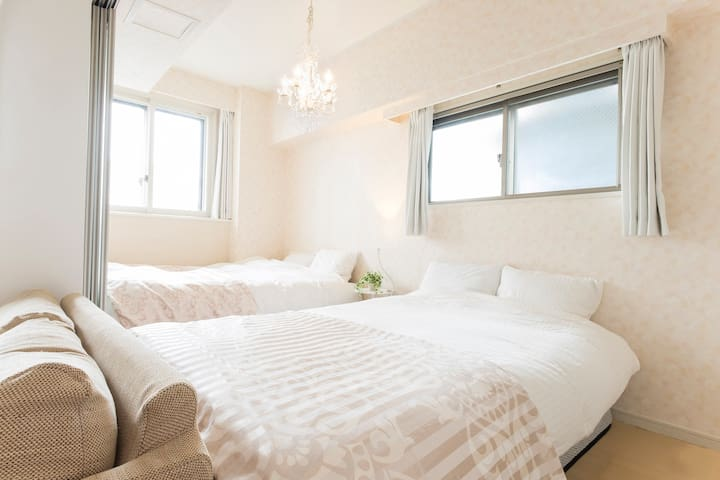 Clean, Modern & Classy — 2 Beds + Free Pocket Wifi - Minato-ku - Appartement