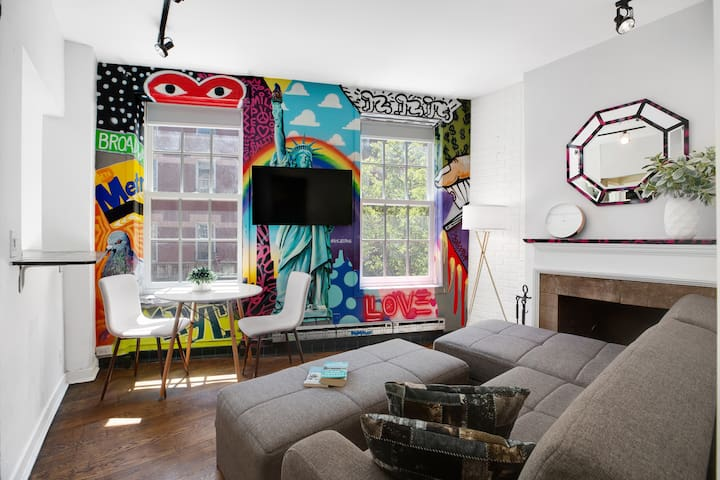 Stylish & Cozy 2 BR on West Village with Roof!!