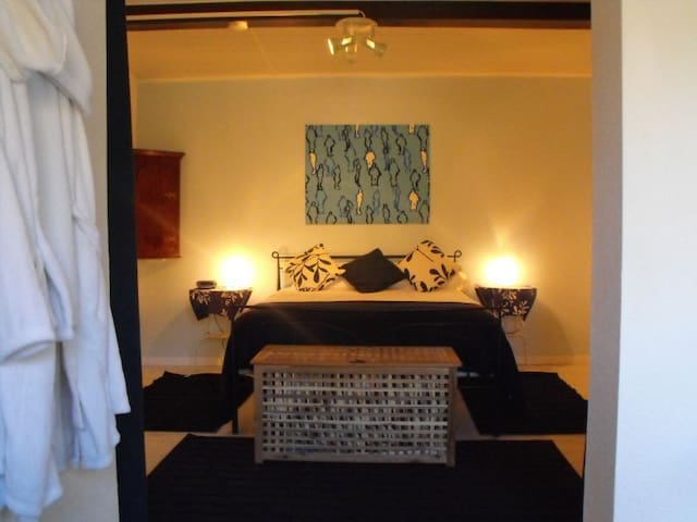 Malbec Wines in SW France - Blue Rm - Duravel - Bed & Breakfast