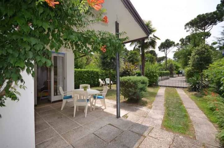 Villa for 4+1 pers with a/c in Bibione R102642