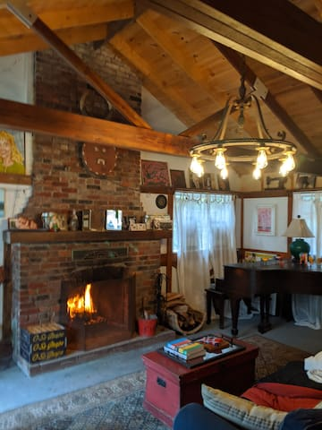 Cosy cabin in the woods, in cute Milford PA
