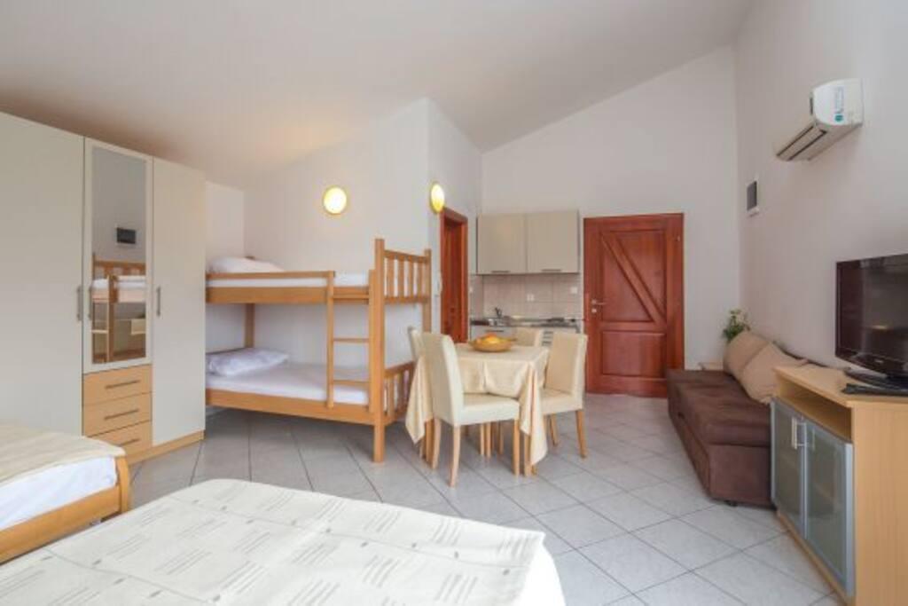 Apartment 8.2