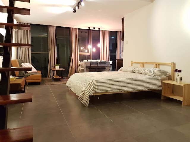DUPLEX STAY @ IKEA Damansara [100 MBPS Wifi] 6 pax - เปตาลิง จายา - อพาร์ทเมนท์