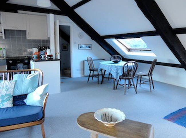 Artist's loft close to city centre.