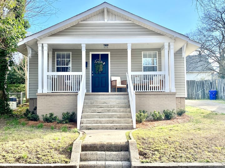 Adorable Downtown Bungalow - North Main