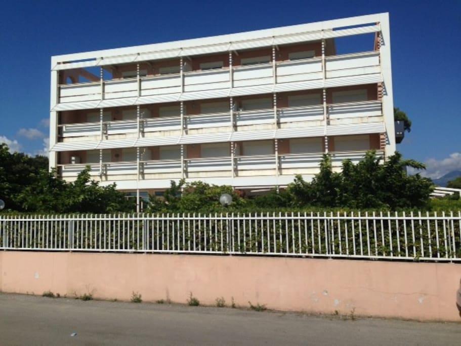 Residence Palazzo della Spiaggia - facciata fronte mare
