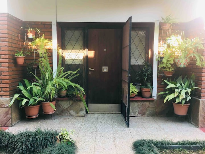 La Casa Nilda - Departamento en la Calle Techada