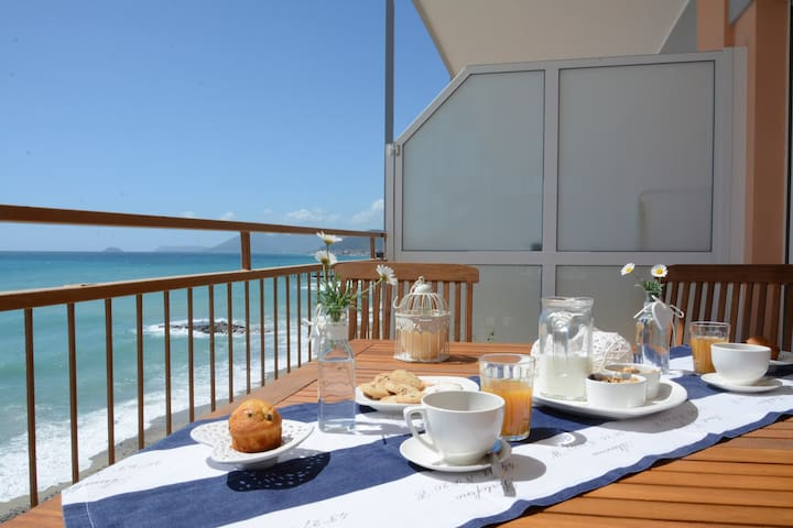 Beach Front 1 - Pietra Ligure - Appartement