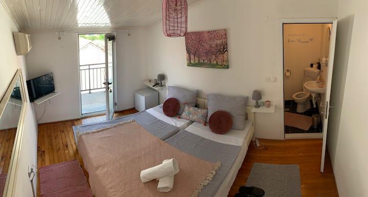 Enni Guest House #2