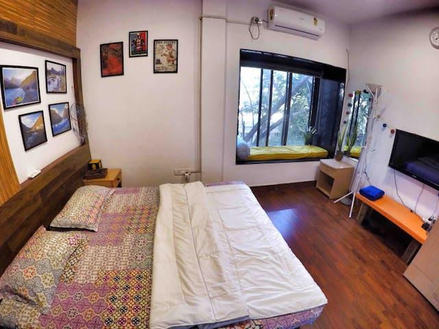 Cozy Poolside Bungalow Room - 4 (nr kalyani nagar)