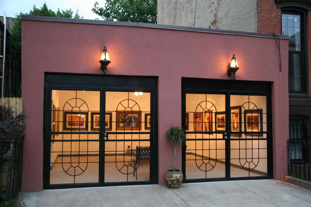Williamsville has an Art Gallery  (named Adriala Gallery), where guests can purchase Brooklyn Souvenirs, fine art and jewelry. There is a rear courtyard and driveway, which is attached to the property and accessible to all guests during their stay.