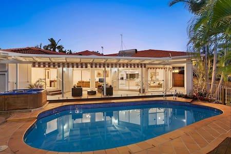 Spacious Home - Pool & Spa - Robina Gold Coast - Robina - 独立屋