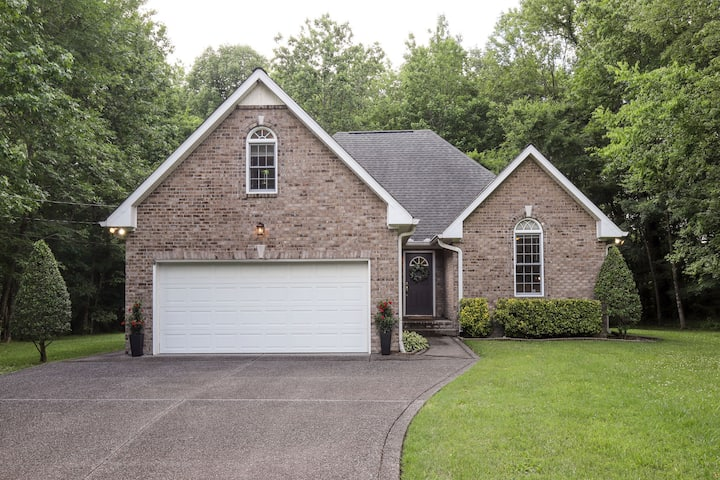 Wooded Country House Close to Nashville
