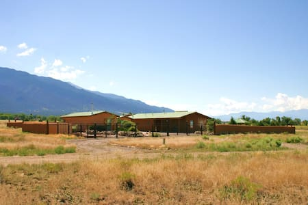 Exquisite Straw Bale Rental - Crestone