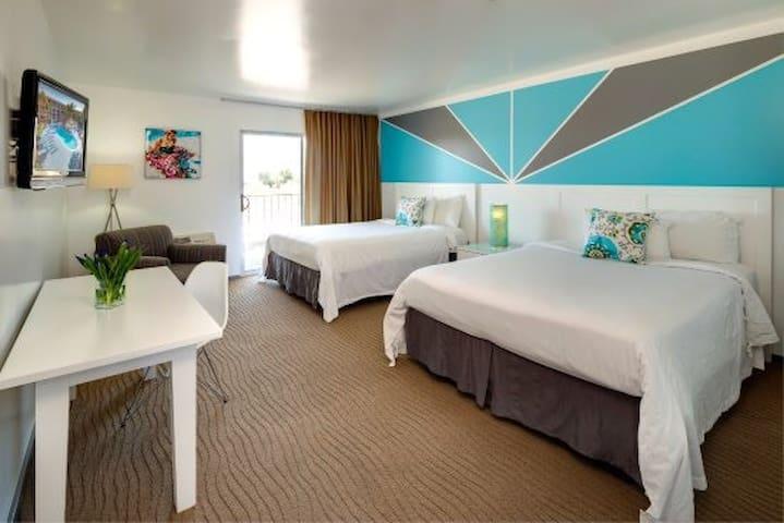 WKND 2 COACHELLA - Aqua Soleil Hotel DBL QUEEN