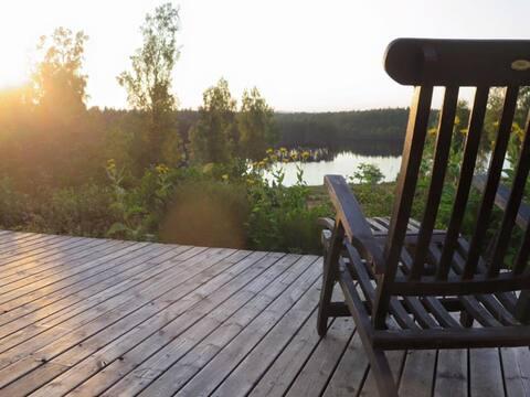 """Grässjön, dit """"eget store søhus""""  i Tiveden."""