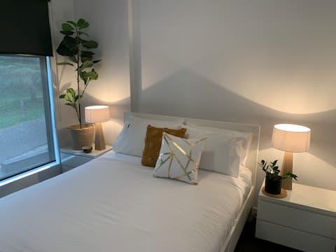 One Bedroom Apartment near Hospitals