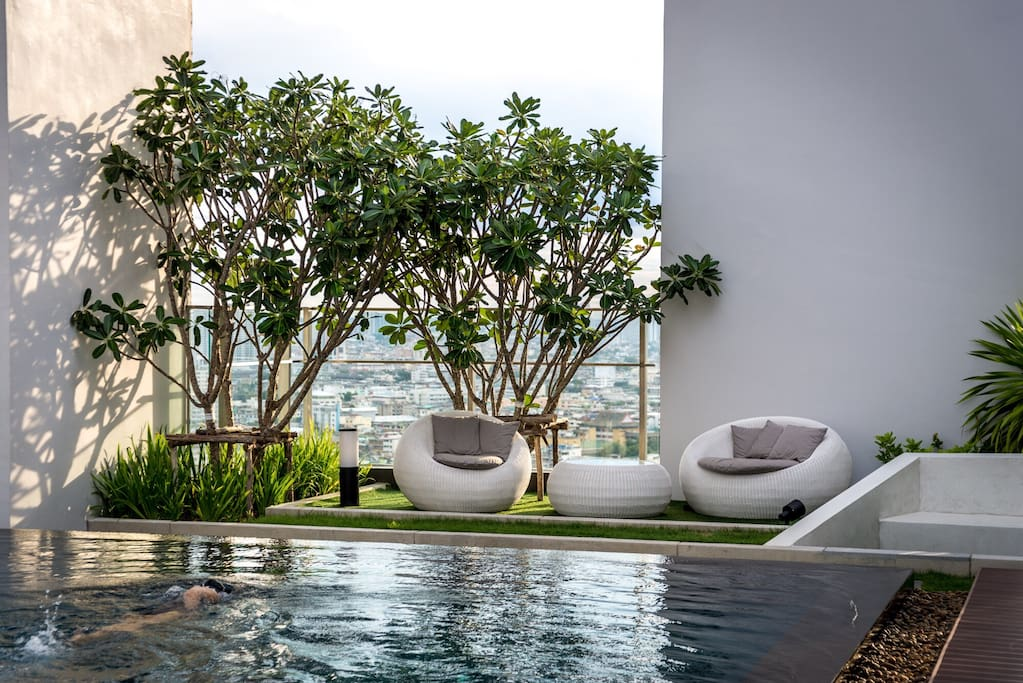Roof top pool with city view