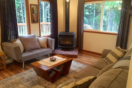 Cozy Cabin with Girdwood Charm! - Ev