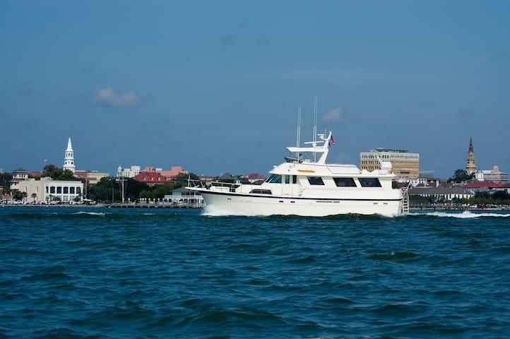 Motoryacht Southern Comfort - Charleston - Barco