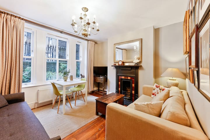 A Charming Victorian Home Walk to London Bridge