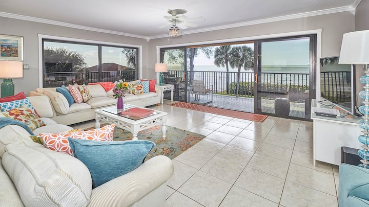 Upscale 3/2 beachfront condo w/wrap around balcony (SUN1C)