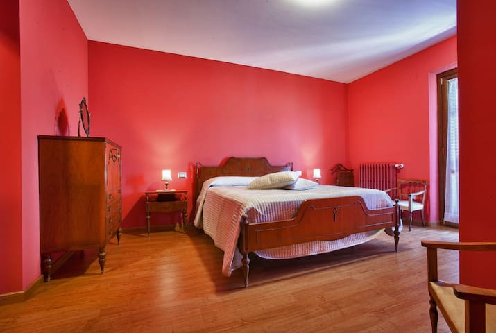 "B&B Al Colle - Suite ""Acero"" - Pescosolido - Bed & Breakfast"